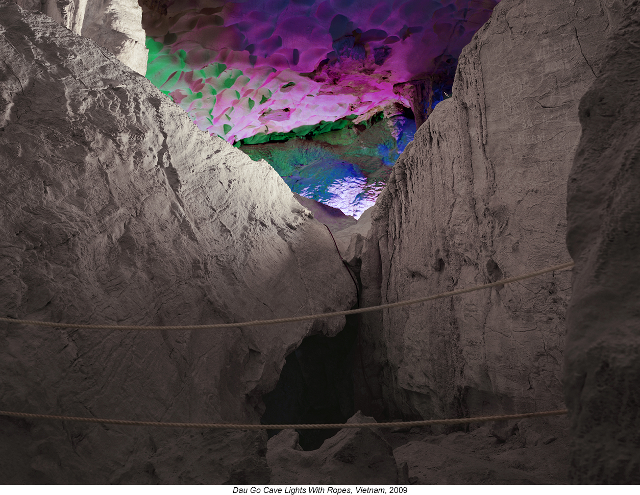 Austin-Irving_Dau-Go-Cave-Lights-With-Ropes-Vietnam-2009