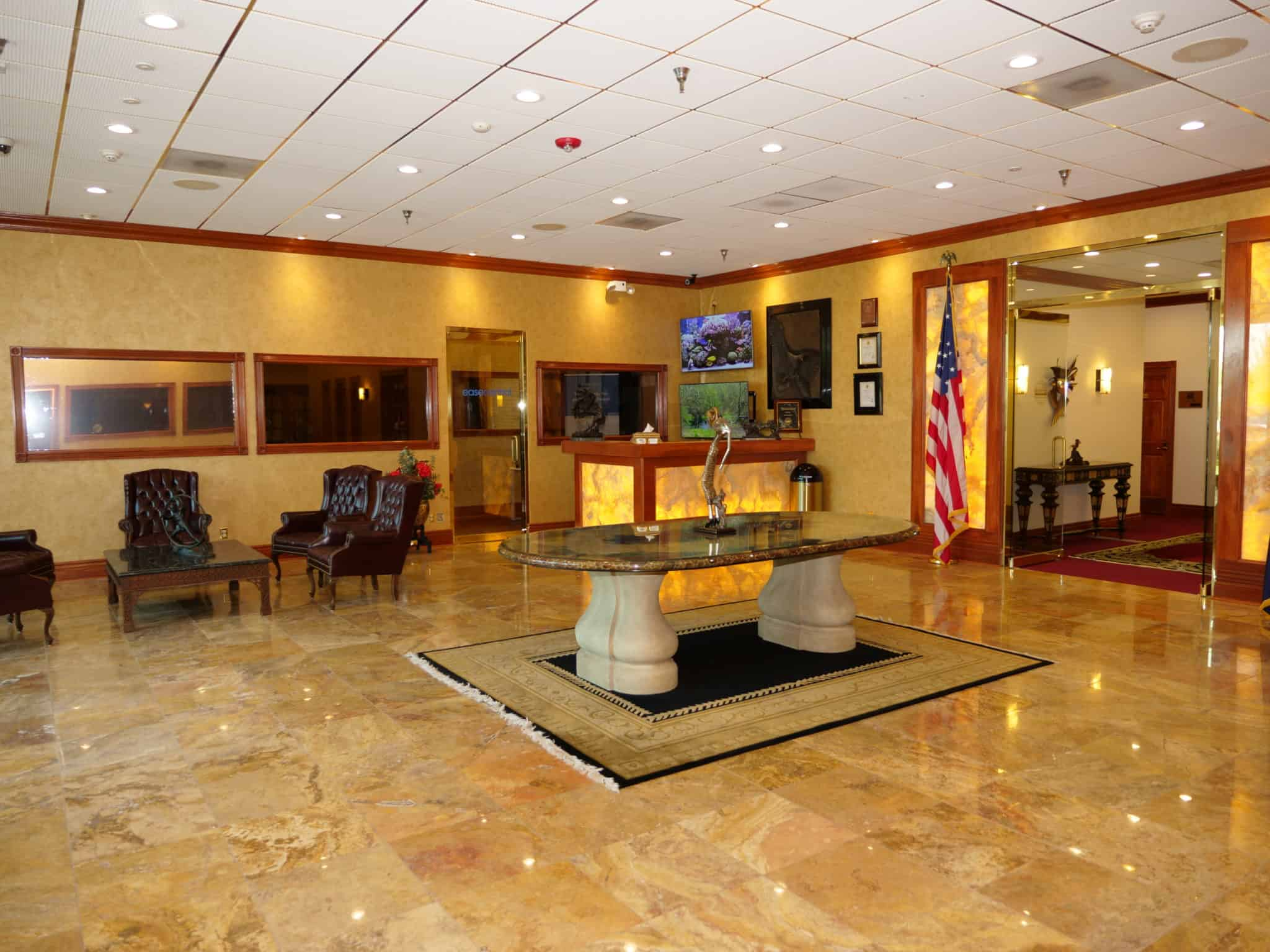 Office Business Center Lobby - Enterprise Center Omaha, NE