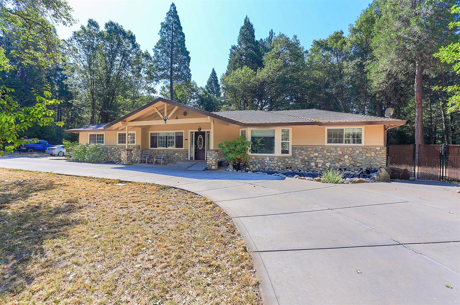 22620 Foresthill Rd.