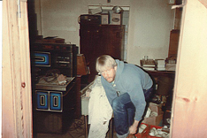 HISTORIC DAY—Don Kurylowicz has just finished painting, ten minutes before the doors of the Honeycreek Inn opened on March 22, 1984.