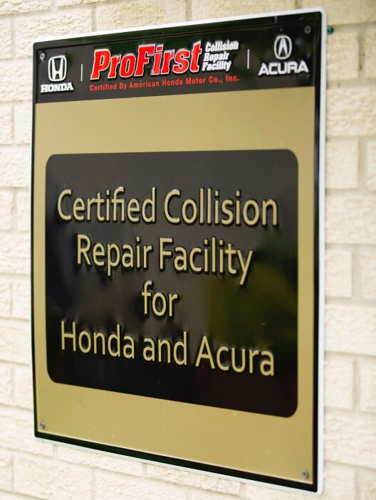 Picture about certifications in Collision Center 1