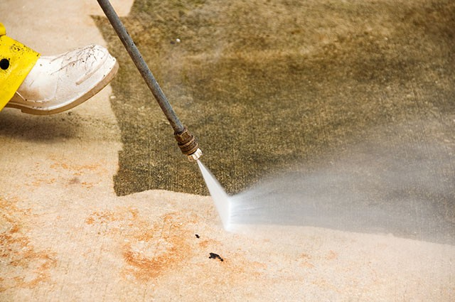 commercial concrete power washing services
