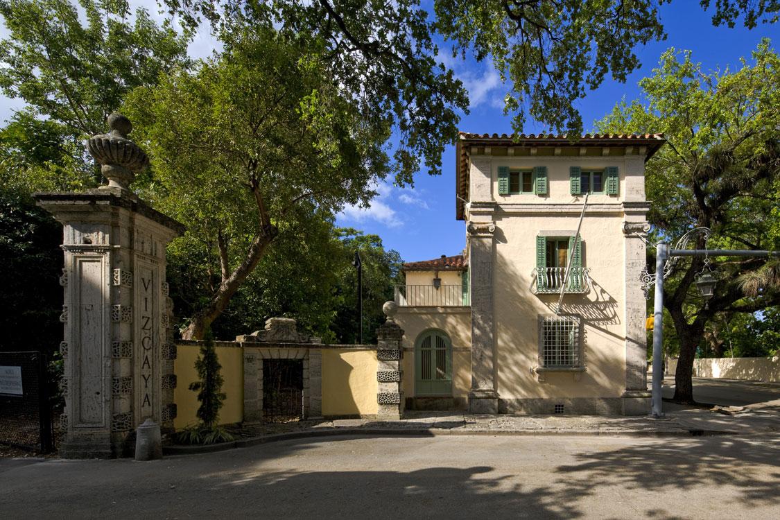 Vizcaya-Gate-Lodge-RJHA-3