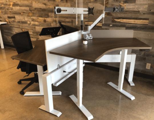 Mid-HAT 120° 4′ x 4′ Height Adjustable Desk