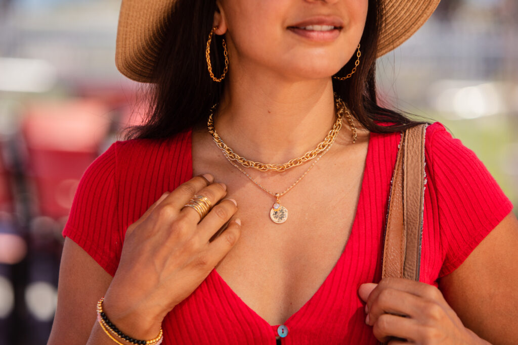 How To Create Necklace Layers For Summer Outfits