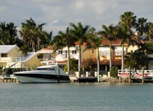 Luxuty home and yacht