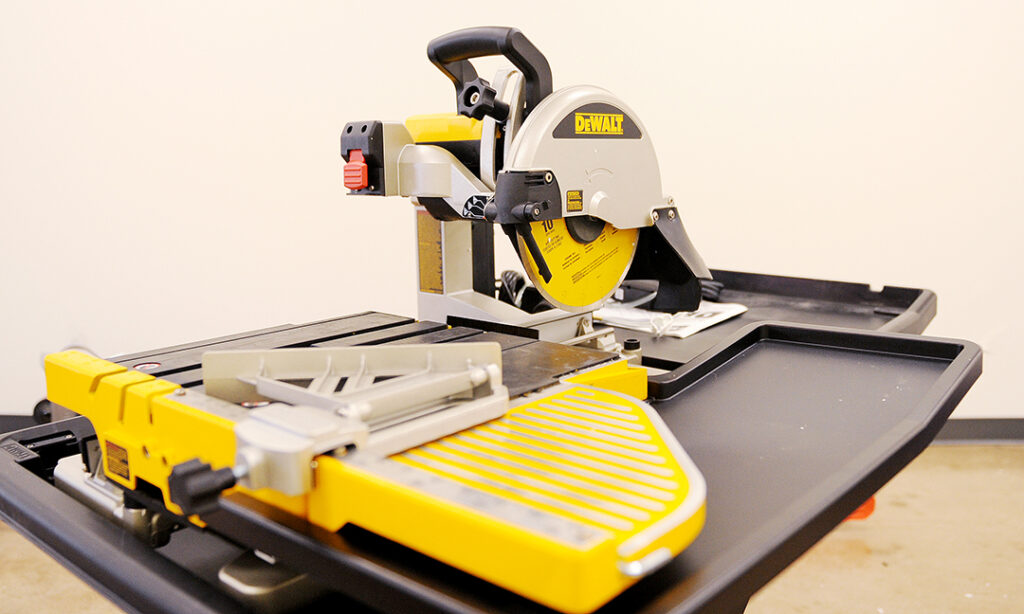 DeWalt 10 inch Wet Tile Saw Rental