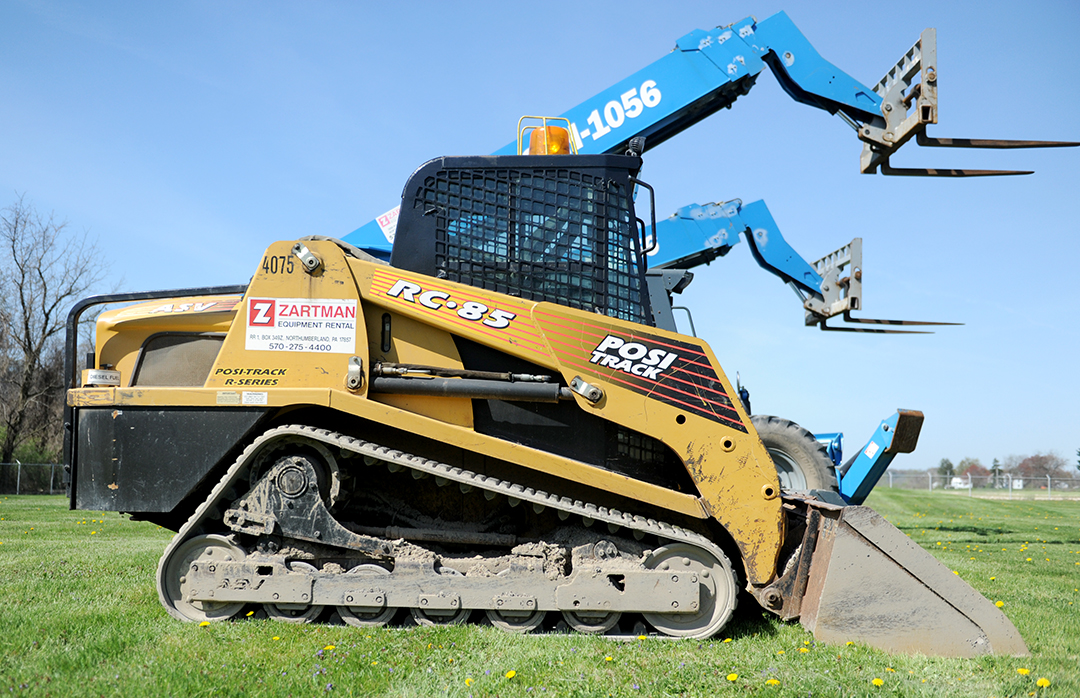 Earth Equipment Rental items: skid loaders and forklifts