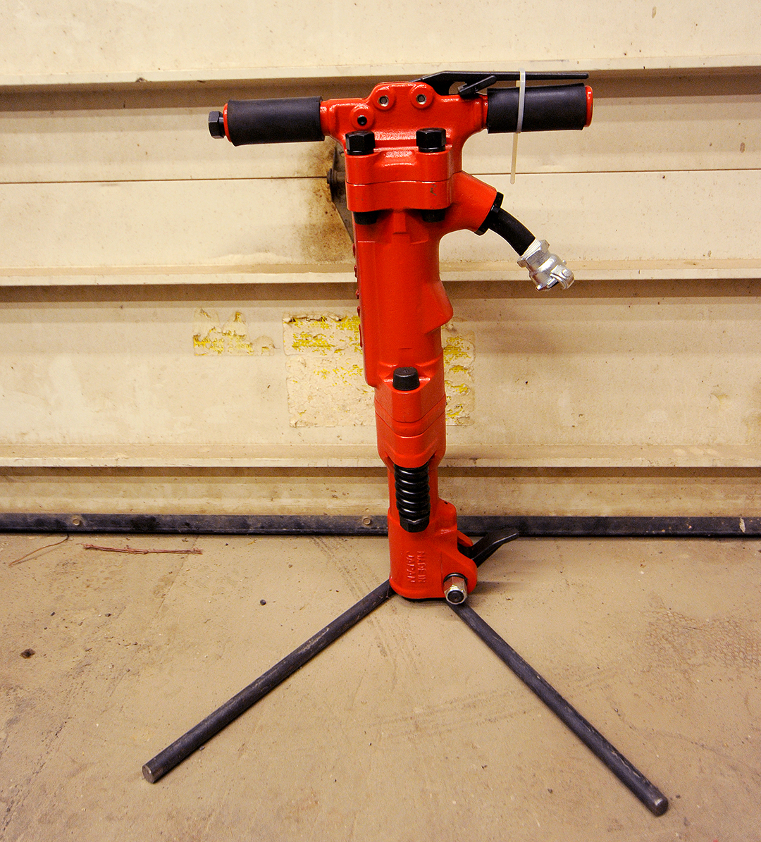 60 lb Tamco Pavement Breaker Rental