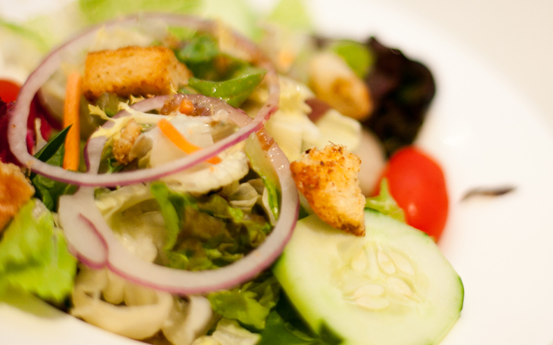 Fresh Salad with Dressing
