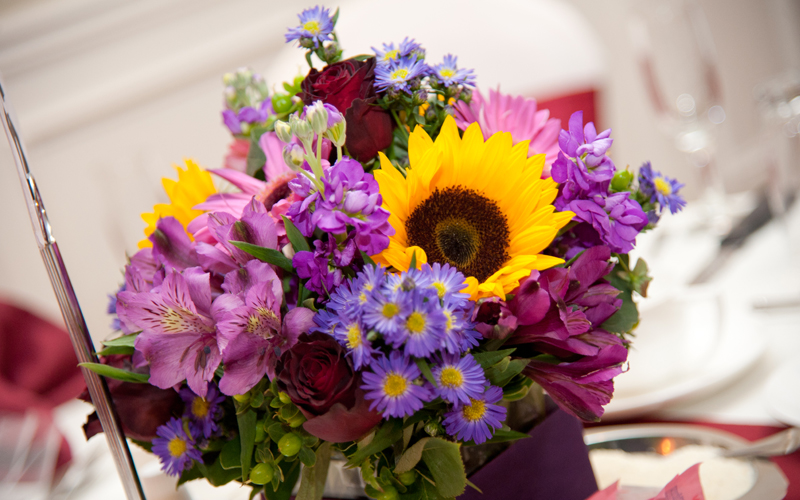 Nice Table Bouquet Spring Season