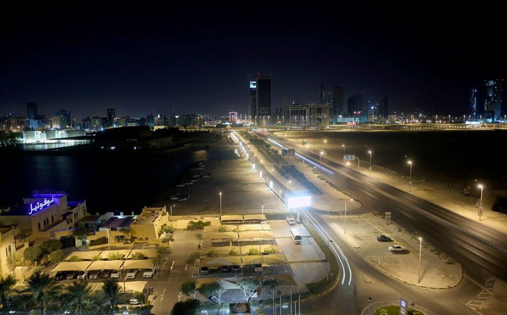 Bahrain night-604103_1280
