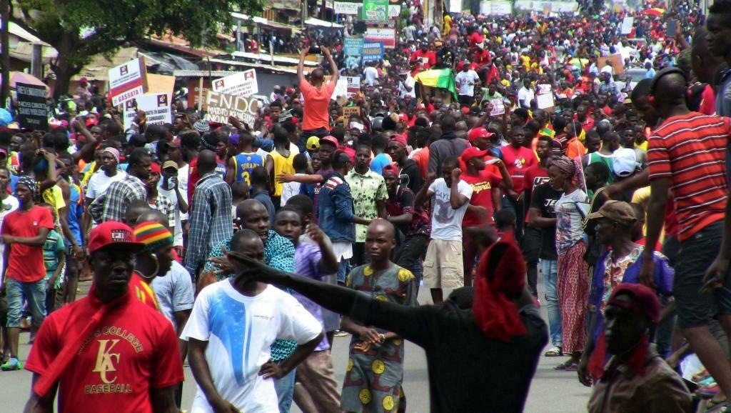 2019-10-24t135106z_1244981836_rc16e3722000_rtrmadp_3_guinea-politics_1