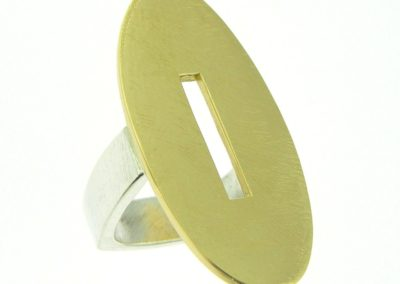 Modern two-tone oval ring