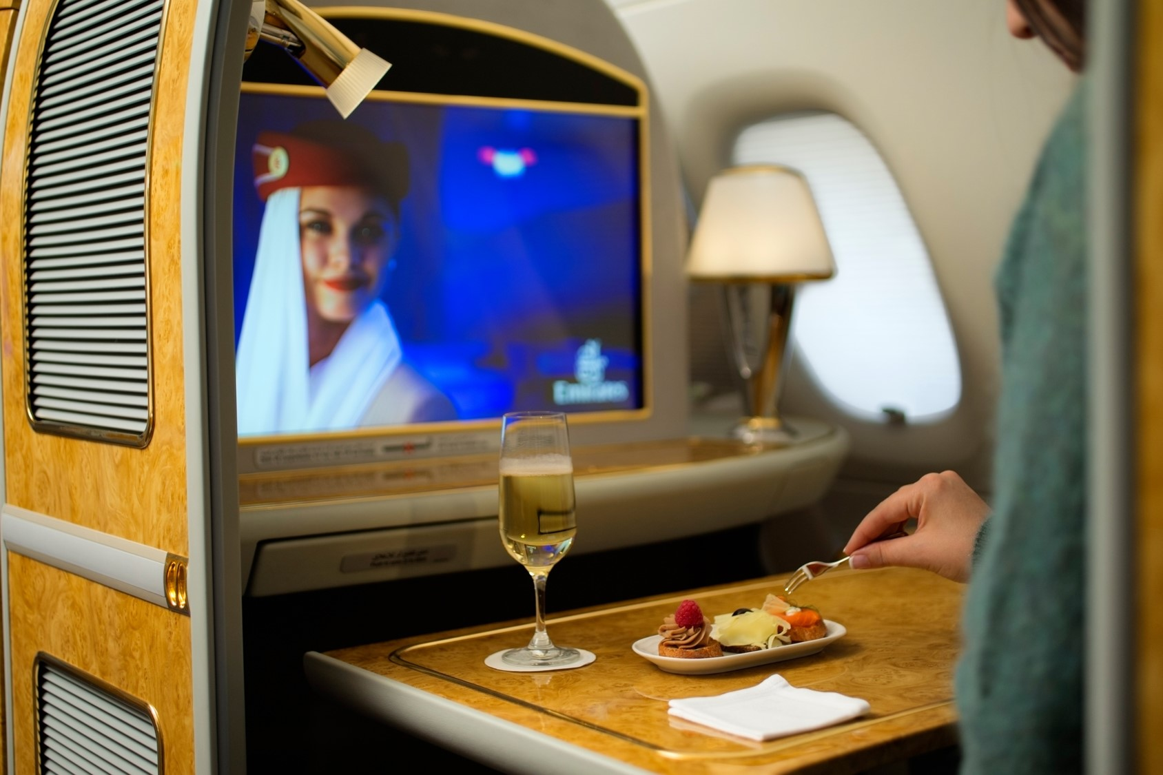 A380--First-Class-Private-Suite