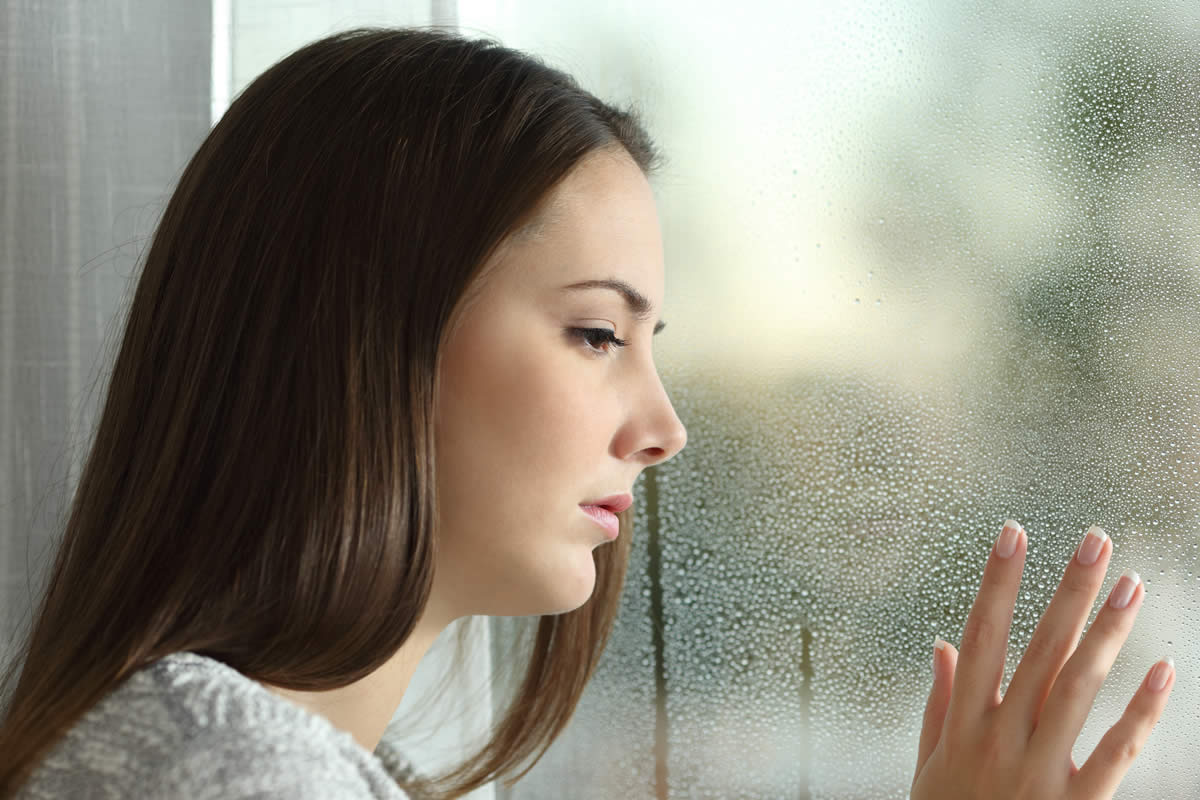 Does Your Home Windows Have Condensation inside Them