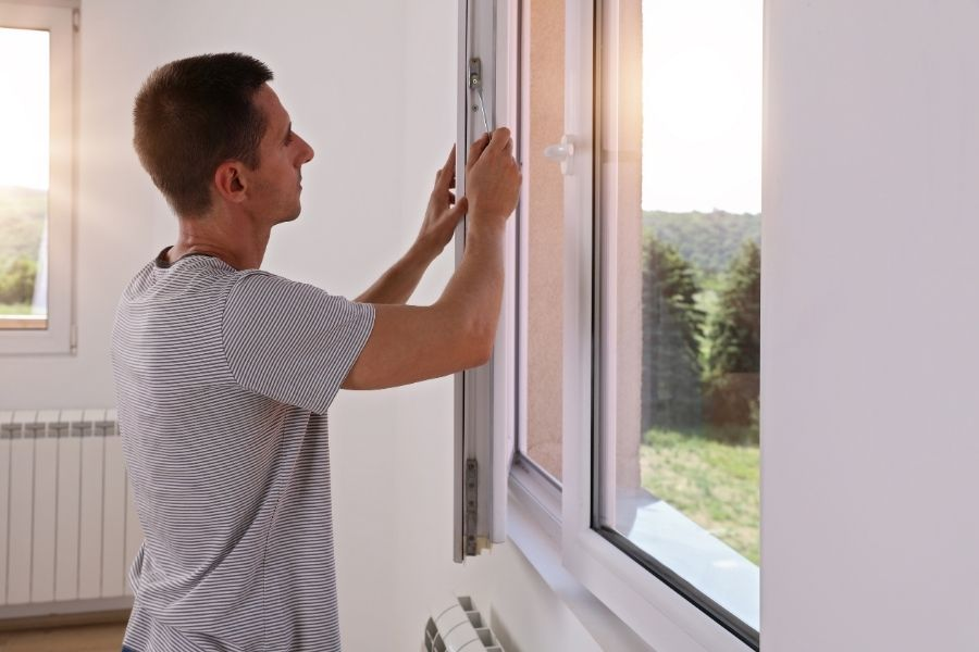 The Differences You'll Need to Know When Choosing Wooden or Vinyl Replacement Windows in Downriver Michigan