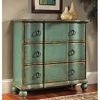 DIY – Paint or Stain A Bedroom Dresser