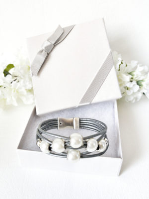 Gray Leather Pearl Bracelet will arrive in the beautiful gift box with ribbon. No wrapping required.