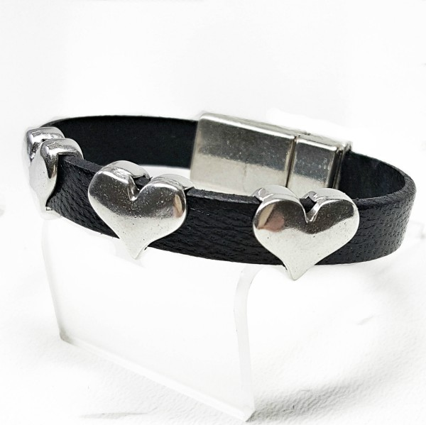 Leather Bracelet with Three Hearts and Magnetic Clasp.