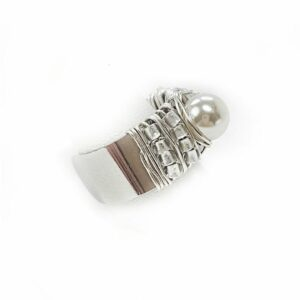 Adjustable silver pearl ring side view