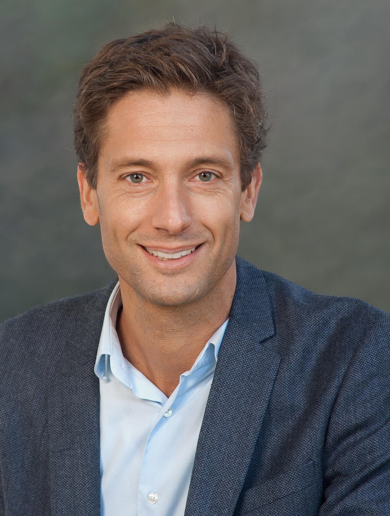 Dr. Christophe Sohn
