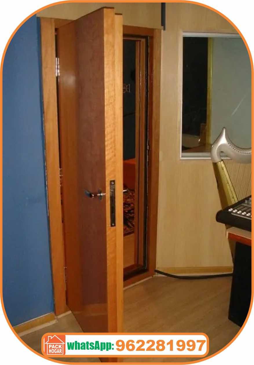 puerta acústica de madera