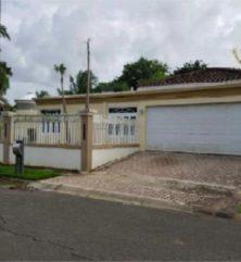 Dorado del Mar – Preciosa*, en Dorado Puerto Rico Casa en Urbanizacion-Dorado del Mar de 4 Cuartos y 3 Baños