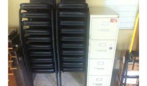 Archivo y sillas