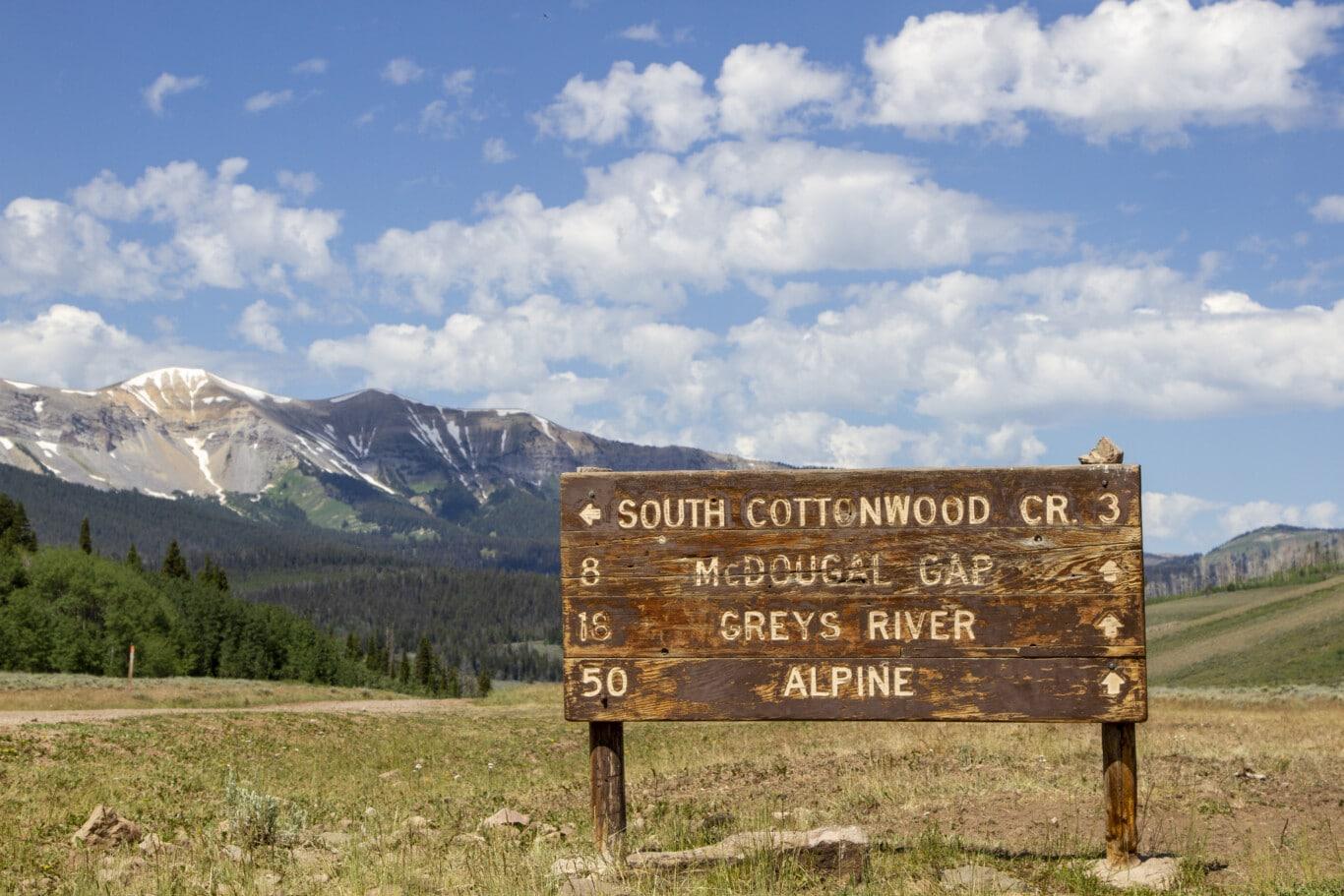 122220_Wyoming_Range_Sign