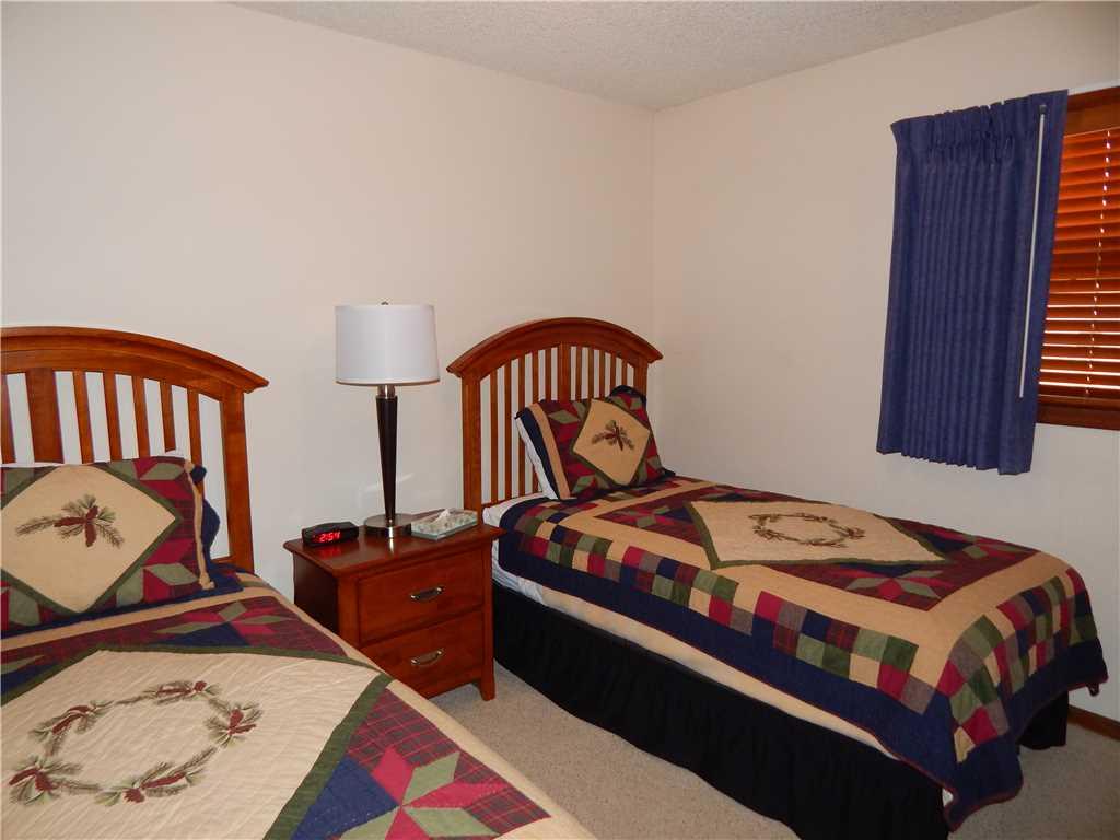 lions gate bedroom2