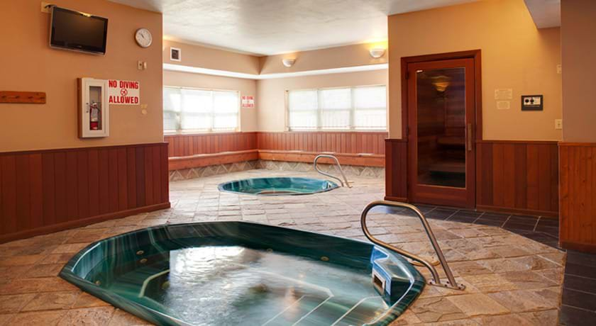 Steamboat Springs Suites Hot tub