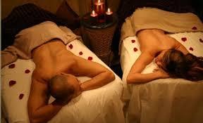 Couple Massage 3