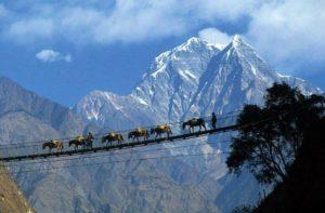 Hunza moutain beauty by Hunza Embassy Hotel Gilgit Baltistan