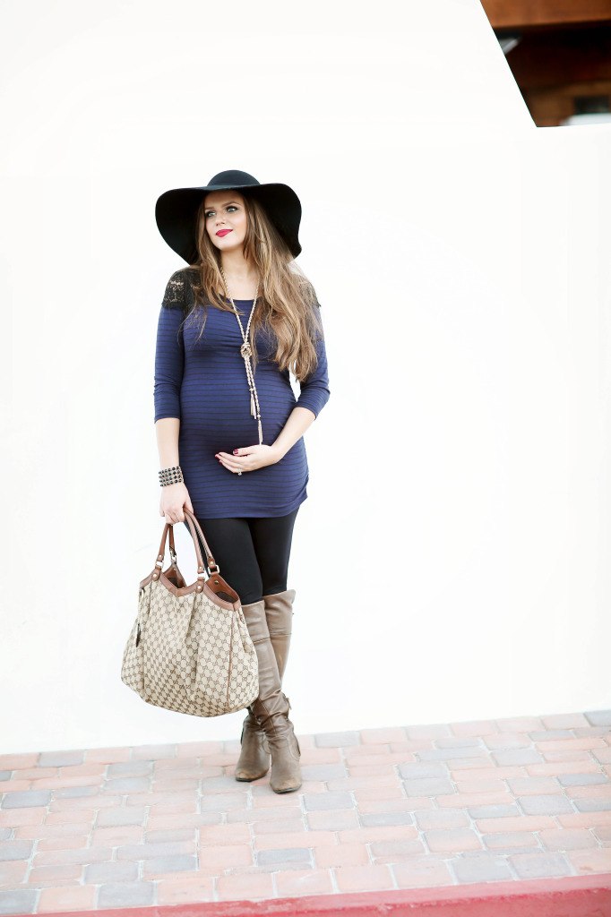 #BumpStyle // Lace Shoulder Striped Top & Leggings | BondGirlGlam.com