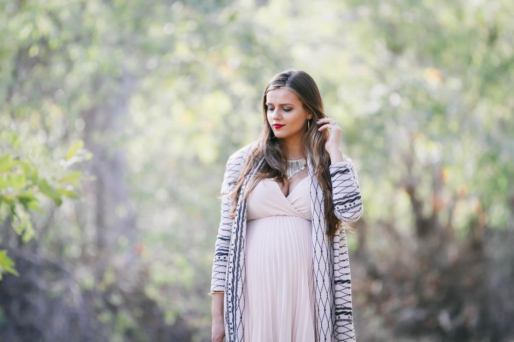 #BumpStyle // Long Cardigan & Pleated Grecian Dress | BondGirlGlam.com