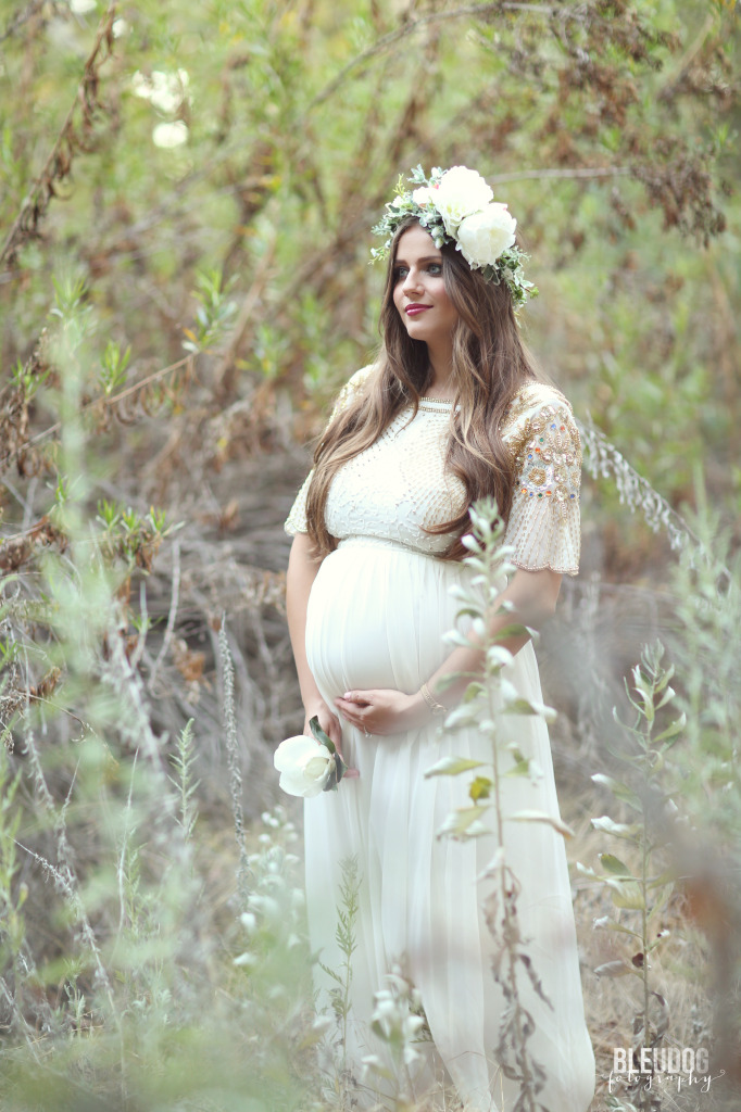 Dreamy Hillside Maternity Shoot | BondGirlGlam.com