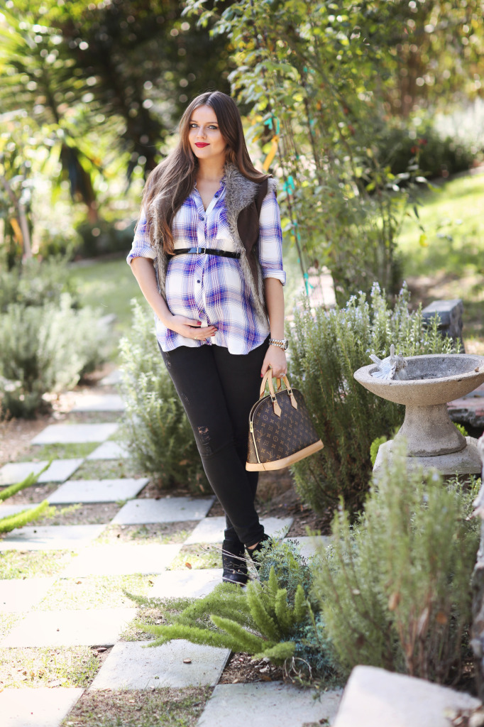 #BumpStyle // Blue Plaid Shirt & Black Distressed Skinny Jeans   BondGirlGlam.com