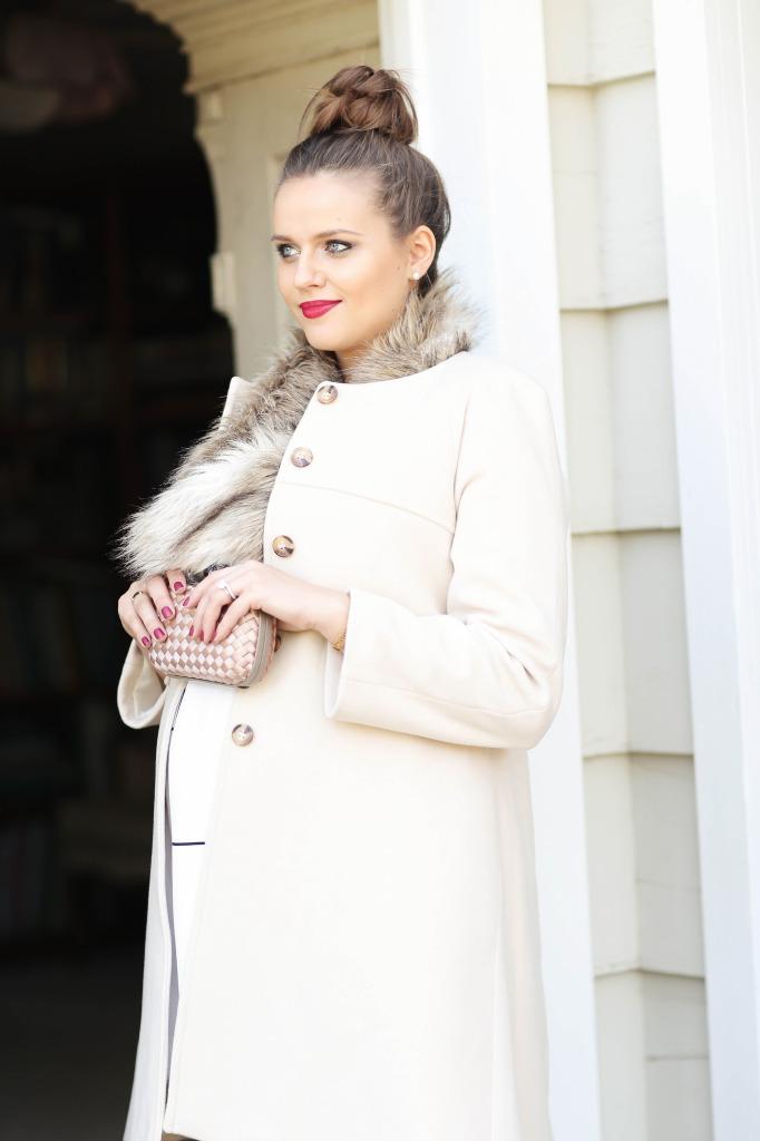 #BumpStyle // Ladylike Blush Pink Coat & Top Bun | BondGirlGlam.com