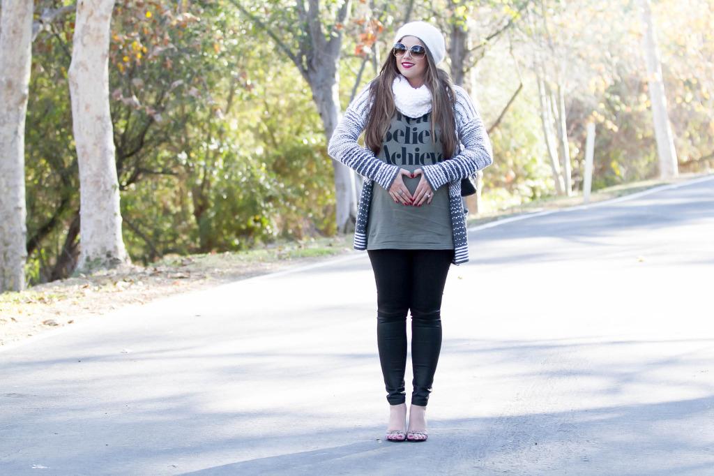 #BumpStyle // Cozy Cardigan & Coated Black Jeans | BondGirlGlam.com
