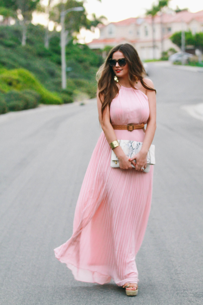 #OOTD // Blush Pleated Maxi Dress & Foldover Clutch | BondGirlGlam.com