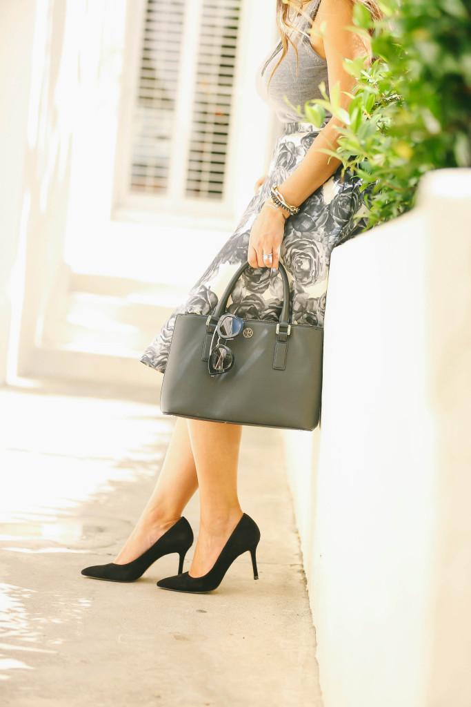 #OOTD // Grey Knit Sleeveless Top & Floral Circle Skirt | BondGirlGlam.com
