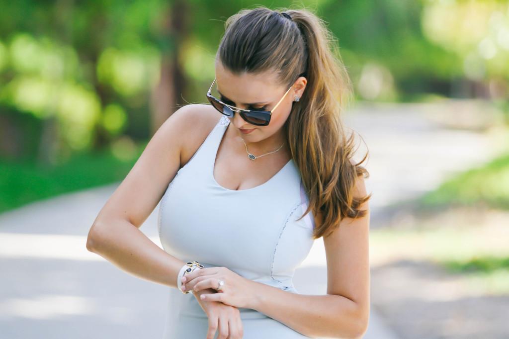 #OOTD // Mommy Athleisure Style & Quinny Moodd Stroller   BondGirlGlam.com