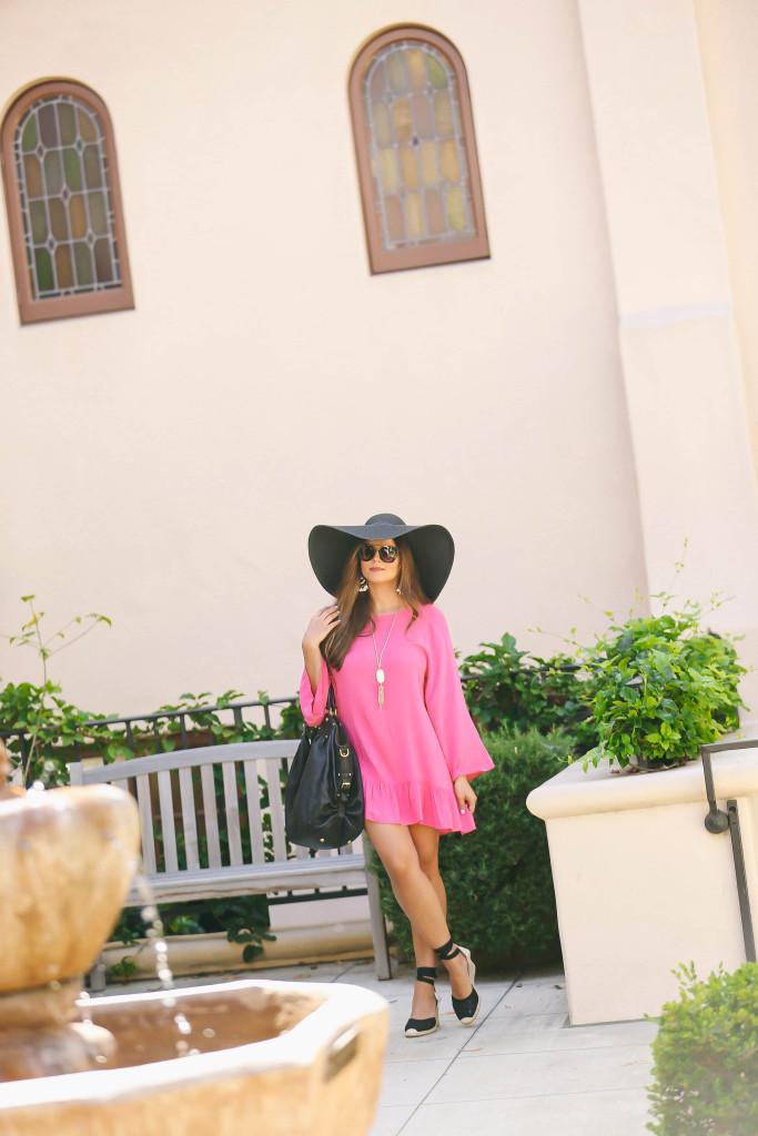 #OOTD // Pink Tasseled Beach Cover-Up | BondGirlGlam.com
