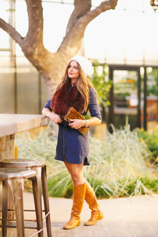 #OOTD // Burgundy Fur Stole & Blue Shirtdress | BondGirlGlam.com