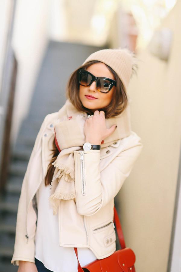 5 Ways to Wear a Blanket Scarf   BondGirlGlam.com