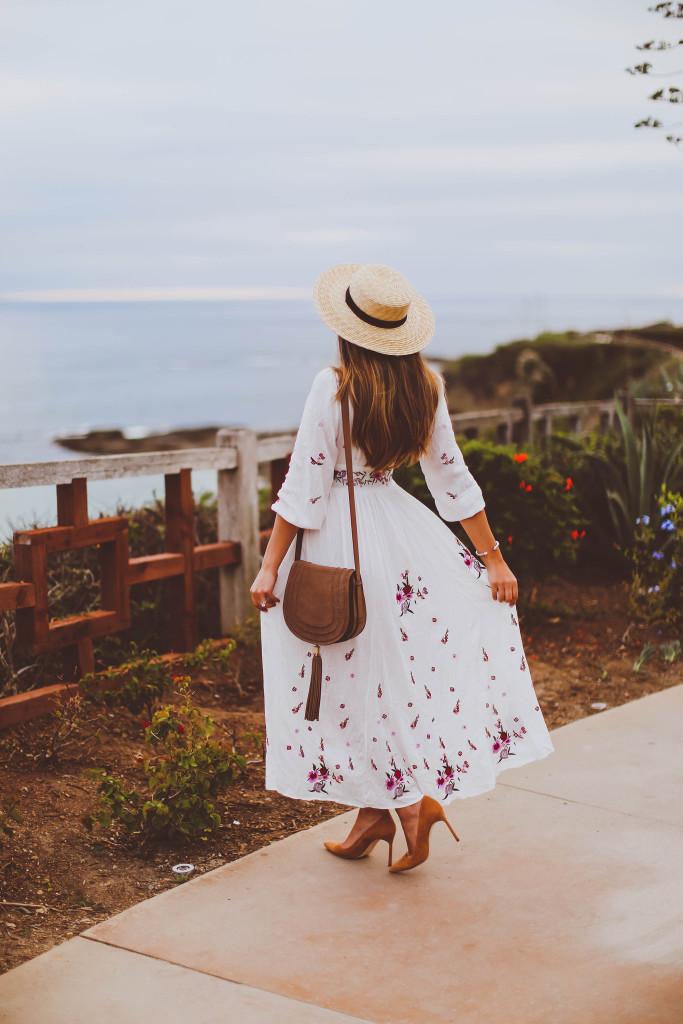 #OOTD // White Embroidered Lace Up Dress | BondGirlGlam.com