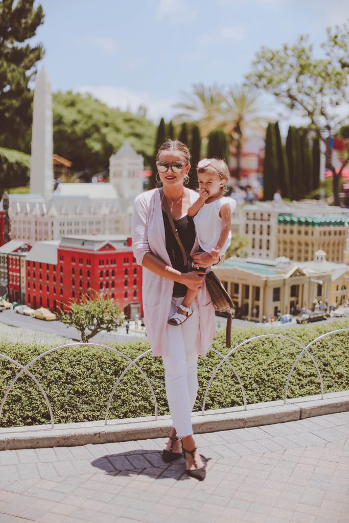 10 Must-Haves for a Successful First Theme Park Visit   BondGirlGlam.com