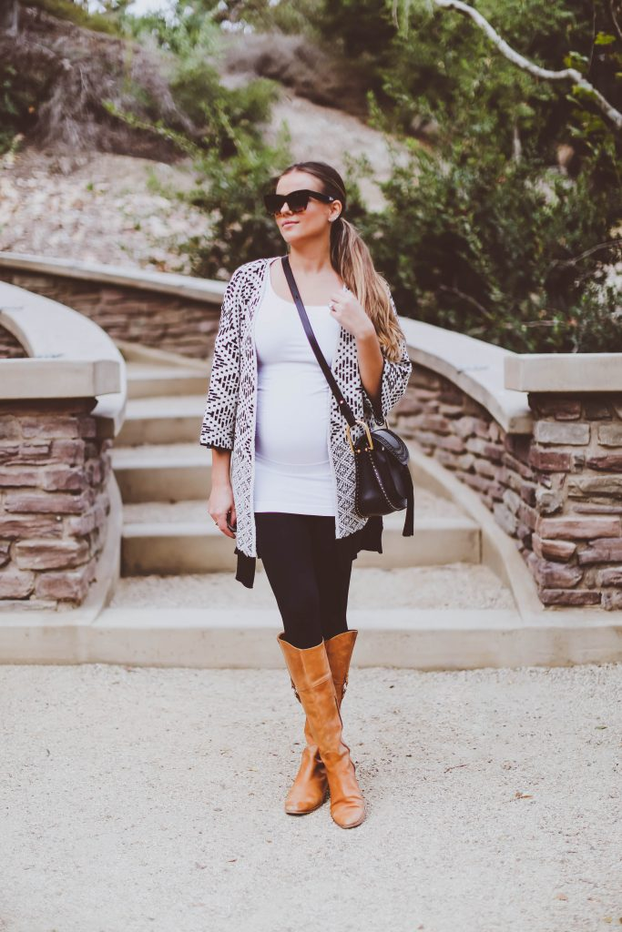 #OOTD // The Best Maternity & Postpartum Leggings EVER | BondGirlGlam.com