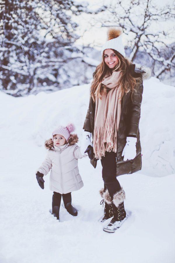 #BumpStyle // Olive Green Long Puffer Coat & Snow Boots | BondGirlGlam.com